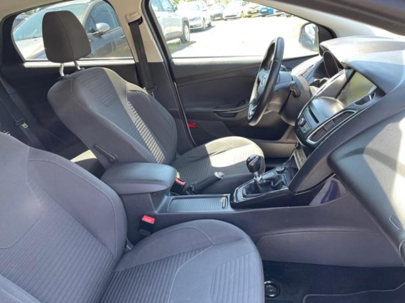 Photo 15 de l'offre de FORD FOCUS 1.0 SCTI 125 TITANIUM  RADAR AV AR   GPS,  ECOBOOST à 11490€ chez Triplo auto