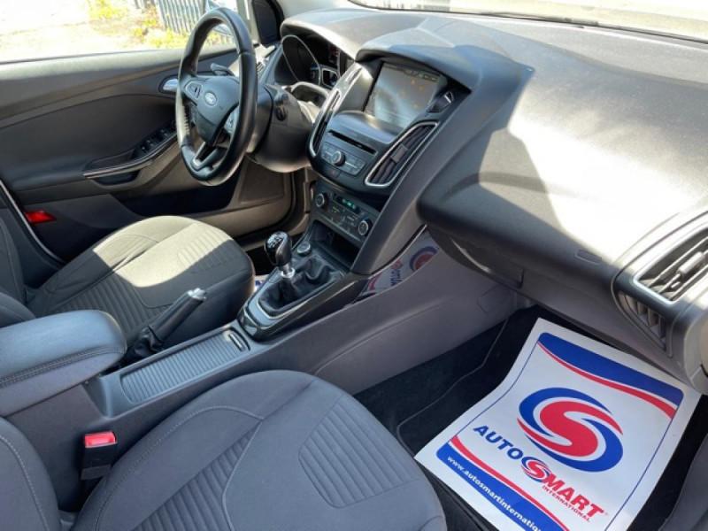 Photo 14 de l'offre de FORD FOCUS 1.0 SCTI 125 TITANIUM  RADAR AV AR   GPS,  ECOBOOST à 11490€ chez Triplo auto