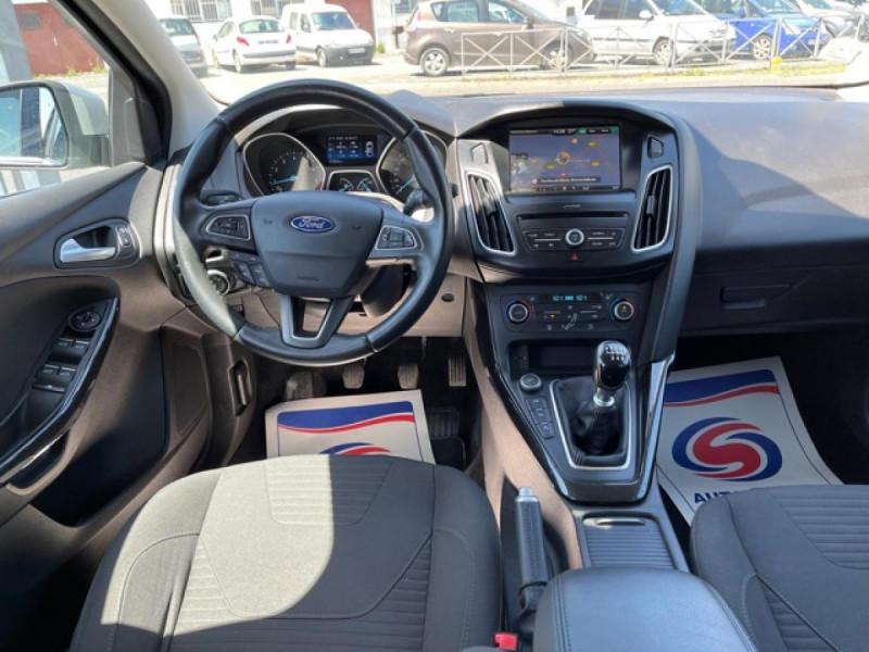 Photo 16 de l'offre de FORD FOCUS 1.0 SCTI 125 TITANIUM  RADAR AV AR   GPS,  ECOBOOST à 11490€ chez Triplo auto