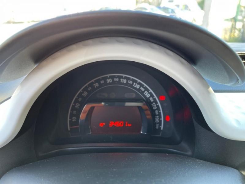 Photo 17 de l'offre de RENAULT TWINGO 1.0 SCE - 70 S&S LIMITED CLIM à 8490€ chez Triplo auto