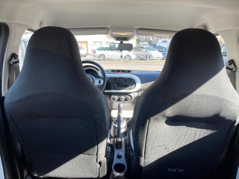 Photo 10 de l'offre de RENAULT TWINGO 1.0 SCE - 70 S&S LIMITED CLIM à 8490€ chez Triplo auto