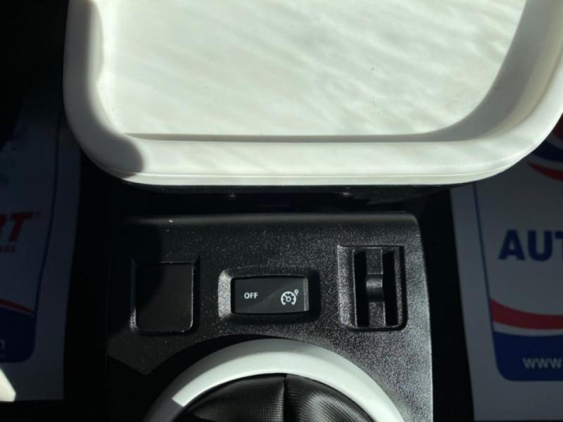 Photo 21 de l'offre de RENAULT TWINGO 1.0 SCE - 70 S&S LIMITED CLIM à 8490€ chez Triplo auto