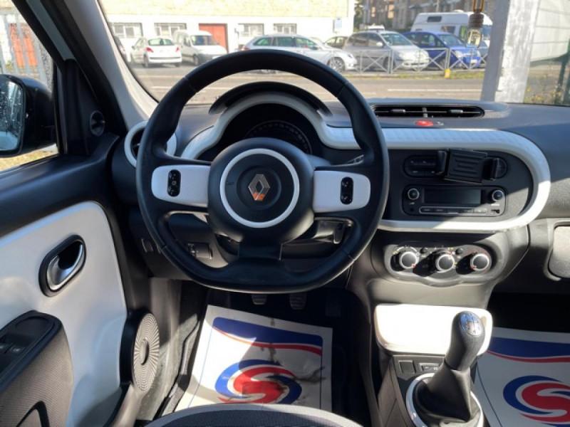 Photo 15 de l'offre de RENAULT TWINGO 1.0 SCE - 70 S&S LIMITED CLIM à 8490€ chez Triplo auto