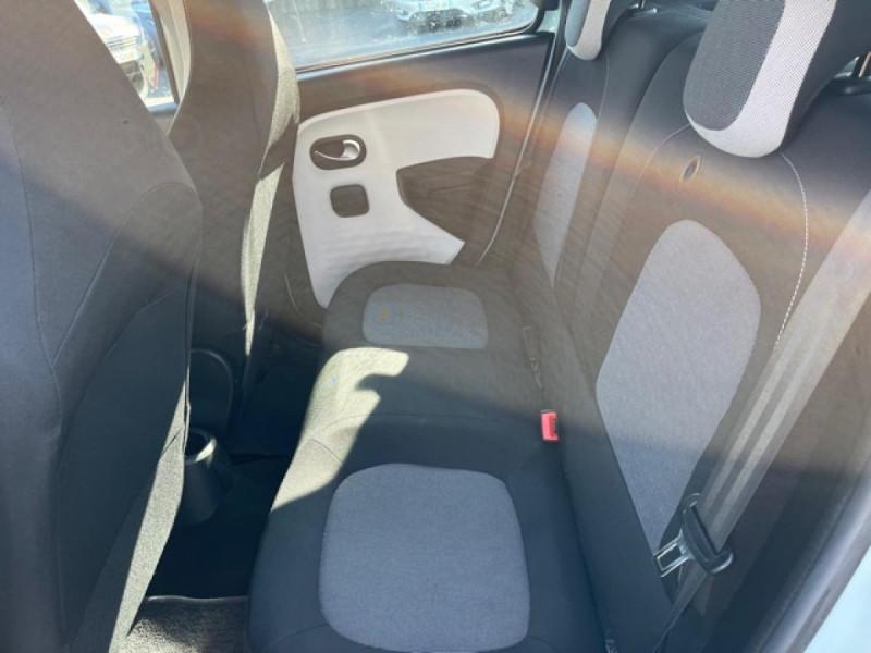 Photo 11 de l'offre de RENAULT TWINGO 1.0 SCE - 70 S&S LIMITED CLIM à 8490€ chez Triplo auto