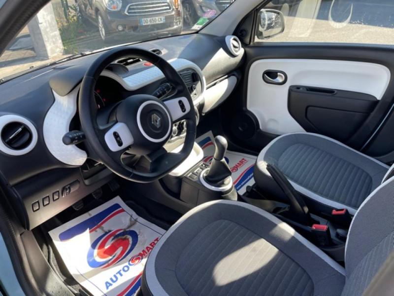 Photo 12 de l'offre de RENAULT TWINGO 1.0 SCE - 70 S&S LIMITED CLIM à 8490€ chez Triplo auto