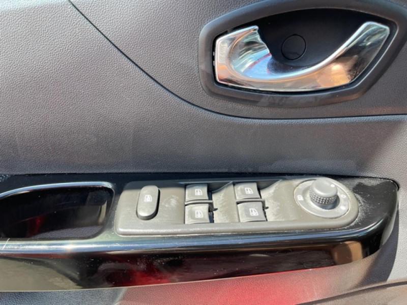 Photo 20 de l'offre de RENAULT CAPTUR 1.5DCI 90 EDC INTENS GPS CAMERA BOITE AUTO  à 13250€ chez Triplo auto