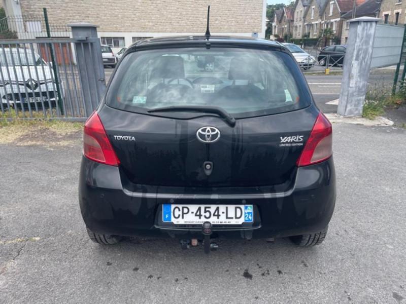Photo 4 de l'offre de TOYOTA YARIS 1.4 D-4D 90 LUNA PACK CLIM RADAR AR ATTELAGE à 5490€ chez Triplo auto