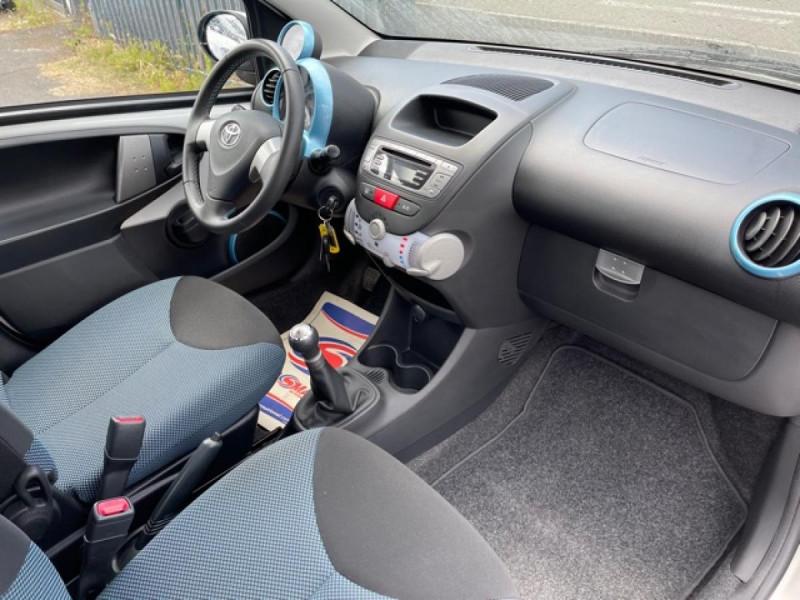 Photo 14 de l'offre de TOYOTA AYGO 1.0 68 ACTIVE CLIM \'33532KM\' à 6990€ chez Triplo auto