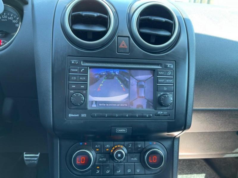 Photo 18 de l'offre de NISSAN QASHQAI 1.5 DCI 110  CONNECT EDITION GPS TOIT PANO CAMERA 360 à 9350€ chez Triplo auto