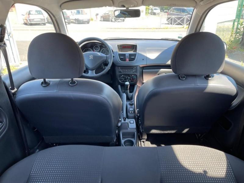Photo 10 de l'offre de PEUGEOT 206   1.1I   URBAN CLIM DISTRI OK  à 5490€ chez Triplo auto