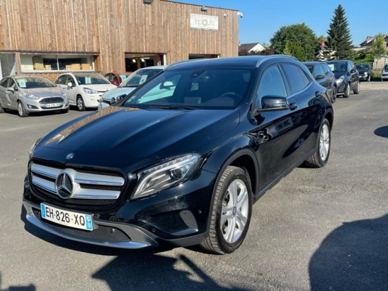 Mercedes-Benz GLA 200D BV 7G-DCT  SENSATION GPS TOIT OUVRANT CAMERA RADAR AV CAMERA COFFRE ELEC Diesel NOIR Occasion à vendre