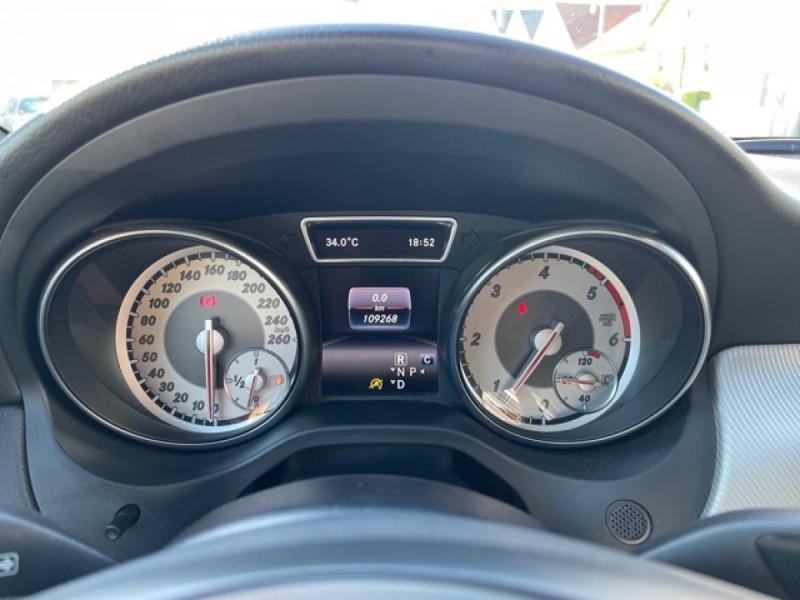 Photo 26 de l'offre de MERCEDES-BENZ CLASSE GLA 200D BV 7G-DCT  SENSATION GPS TOIT OUVRANT CAMERA RADAR AV CAMERA COFFRE ELEC à 21490€ chez Triplo auto