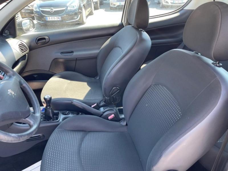 Photo 12 de l'offre de PEUGEOT 206   1.1I   URBAN CLIM DISTRI OK  à 5490€ chez Triplo auto