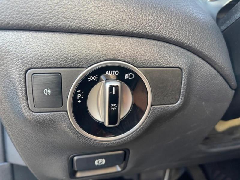 Photo 23 de l'offre de MERCEDES-BENZ CLASSE GLA 200D BV 7G-DCT  SENSATION GPS TOIT OUVRANT CAMERA RADAR AV CAMERA COFFRE ELEC à 21490€ chez Triplo auto