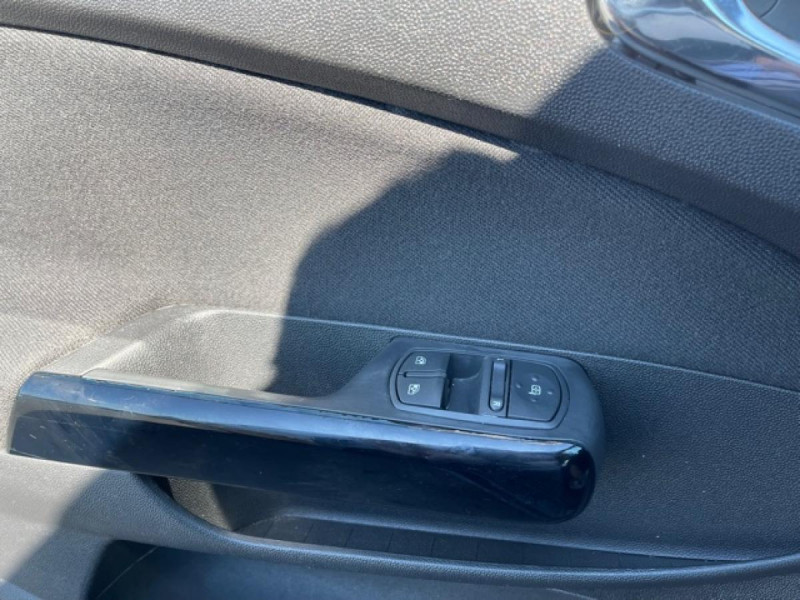 Photo 21 de l'offre de OPEL CORSA 1.4I 100CV COSMO GPS CLIM à 6490€ chez Triplo auto