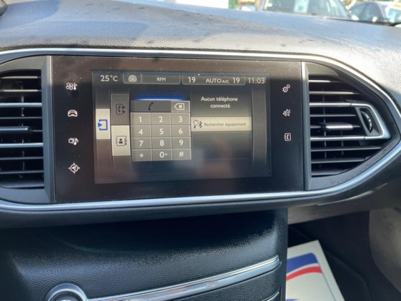 Photo 20 de l'offre de PEUGEOT 308  1.2I 130 S&S ALLURE   GPS CAMERA RADAR AV AR à 15250€ chez Triplo auto