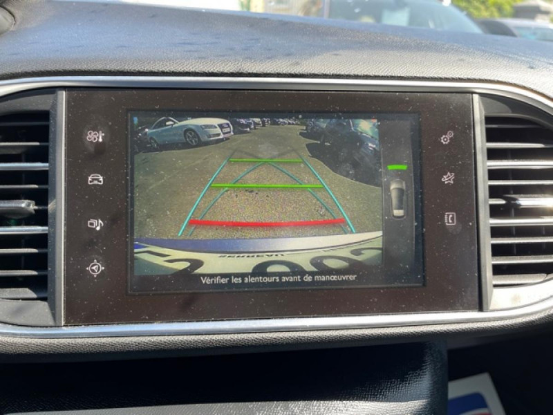 Photo 18 de l'offre de PEUGEOT 308  1.2I 130 S&S ALLURE   GPS CAMERA RADAR AV AR à 15250€ chez Triplo auto