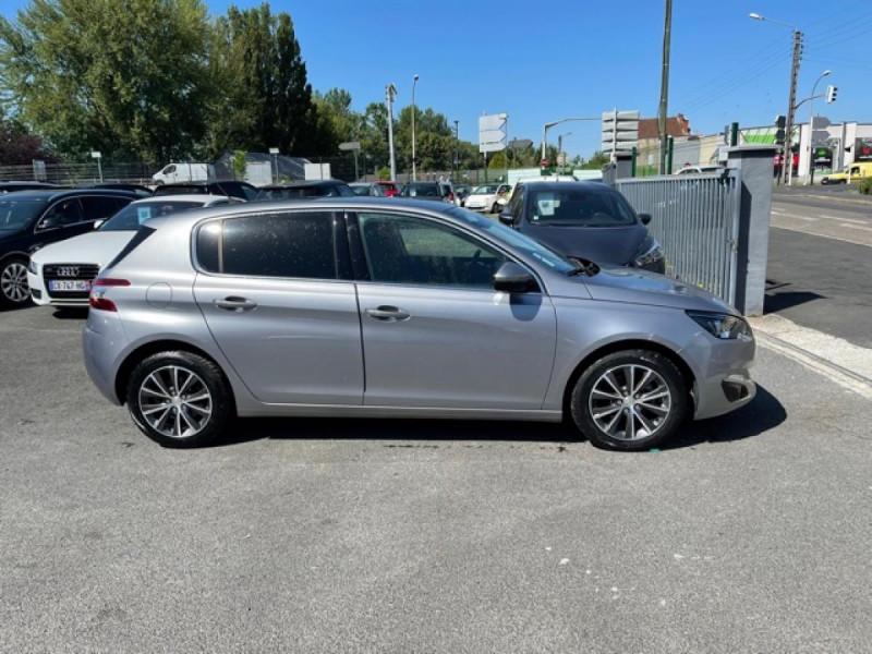 Photo 6 de l'offre de PEUGEOT 308  1.2I 130 S&S ALLURE   GPS CAMERA RADAR AV AR à 15250€ chez Triplo auto