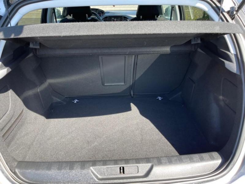 Photo 9 de l'offre de PEUGEOT 308  1.2I 130 S&S ALLURE   GPS CAMERA RADAR AV AR à 15250€ chez Triplo auto