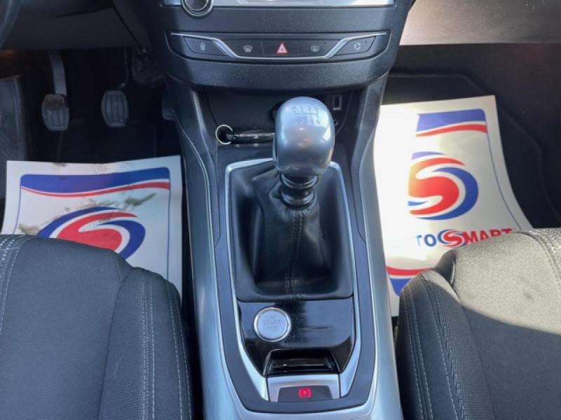 Photo 17 de l'offre de PEUGEOT 308  1.2I 130 S&S ALLURE   GPS CAMERA RADAR AV AR à 15250€ chez Triplo auto