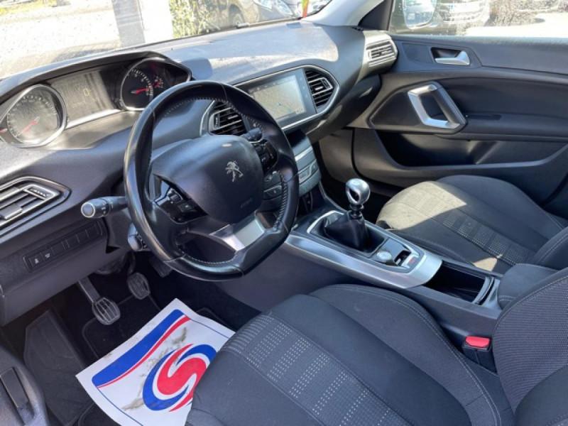 Photo 12 de l'offre de PEUGEOT 308  1.2I 130 S&S ALLURE   GPS CAMERA RADAR AV AR à 15250€ chez Triplo auto