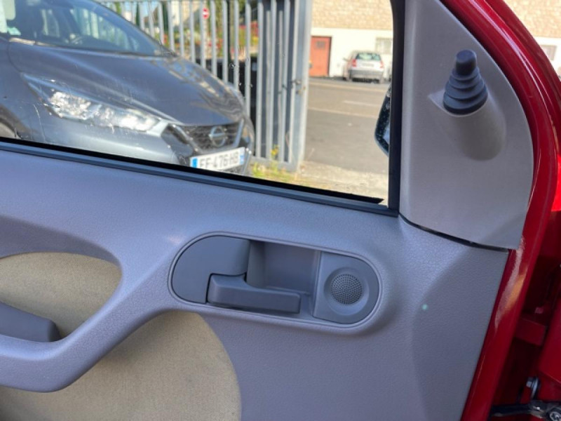 Photo 18 de l'offre de FIAT PANDA 1.2I - 60  II CLASS  à 3490€ chez Triplo auto