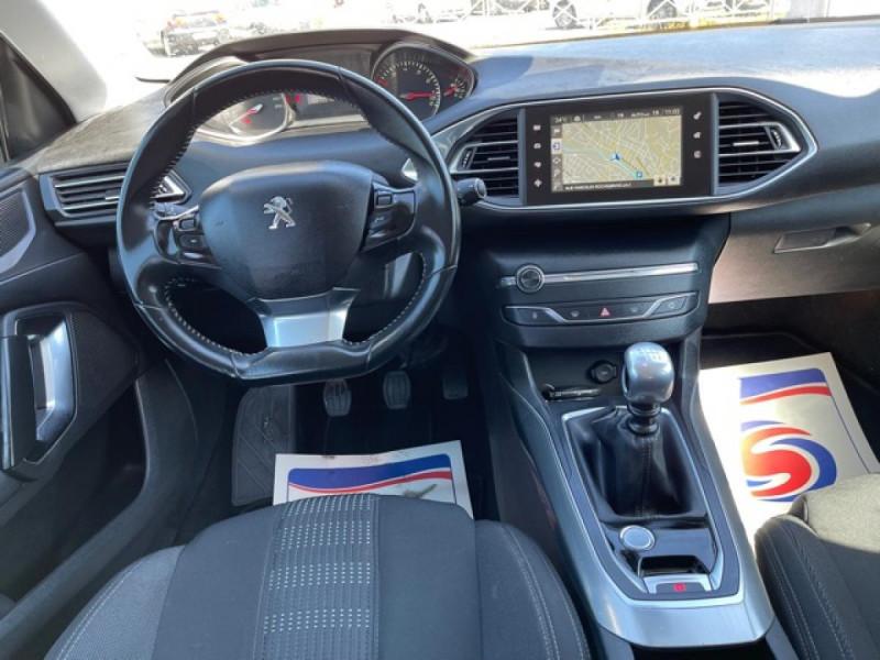 Photo 15 de l'offre de PEUGEOT 308  1.2I 130 S&S ALLURE   GPS CAMERA RADAR AV AR à 15250€ chez Triplo auto