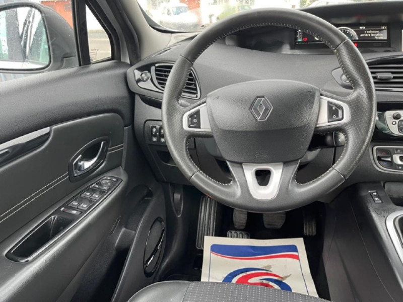 Photo 14 de l'offre de RENAULT SCENIC 1.5 DCI 110 BOSE GPS CAMERA RADAR AV AR DISTRI OK à 7990€ chez Triplo auto