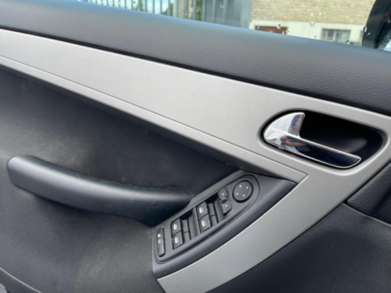 Photo 19 de l'offre de CITROEN C4 PICASSO 1.6 HDI110 MILLENIUM GPS ATTELAGE RADAR AR à 7990€ chez Triplo auto