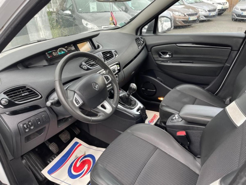 Photo 11 de l'offre de RENAULT SCENIC 1.5 DCI 110 BOSE GPS CAMERA RADAR AV AR DISTRI OK à 7990€ chez Triplo auto