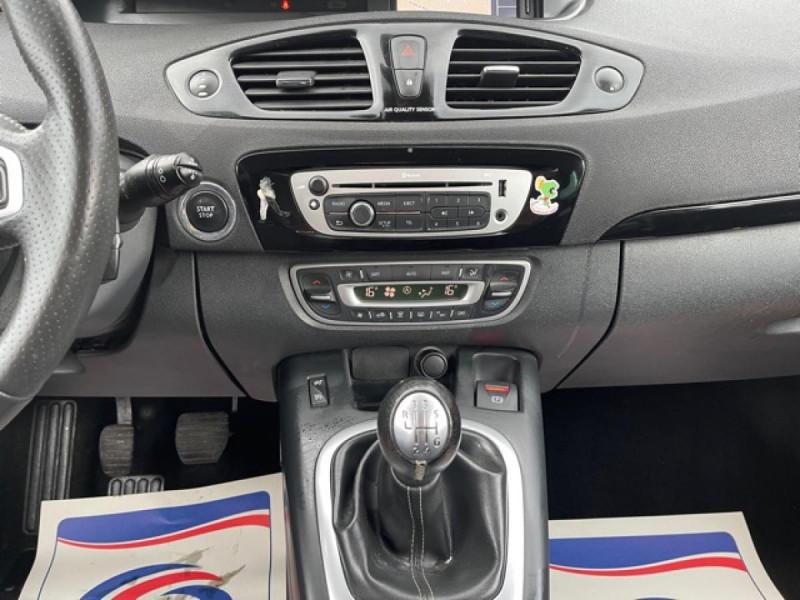 Photo 15 de l'offre de RENAULT SCENIC 1.5 DCI 110 BOSE GPS CAMERA RADAR AV AR DISTRI OK à 7990€ chez Triplo auto