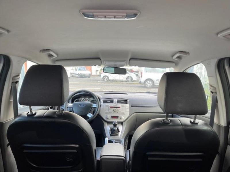 Photo 10 de l'offre de FORD KUGA 2.0 TDCI 140  TITANIUM DISTRI NEUVE  à 7490€ chez Triplo auto