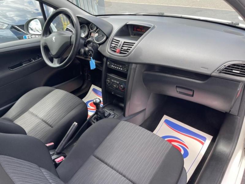 Photo 12 de l'offre de PEUGEOT 207  1.4 HDI 70 AFFAIRE PACK CD CLIM  à 5490€ chez Triplo auto