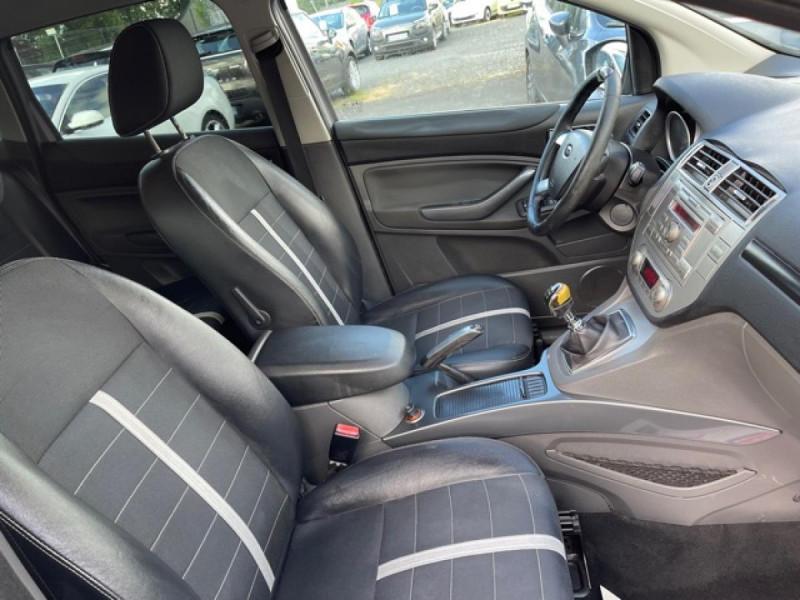 Photo 15 de l'offre de FORD KUGA 2.0 TDCI 140  TITANIUM DISTRI NEUVE  à 7490€ chez Triplo auto