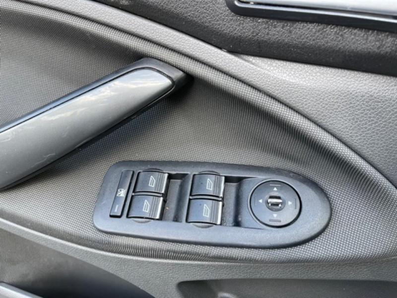 Photo 22 de l'offre de FORD KUGA 2.0 TDCI 140  TITANIUM DISTRI NEUVE  à 7490€ chez Triplo auto