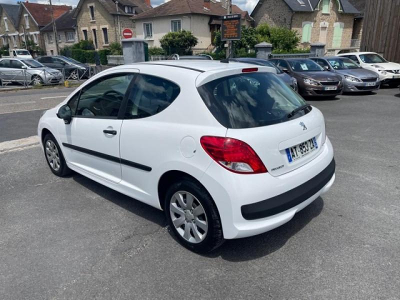 Photo 3 de l'offre de PEUGEOT 207  1.4 HDI 70 AFFAIRE PACK CD CLIM  à 5490€ chez Triplo auto