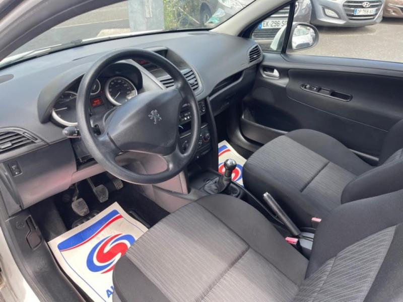 Photo 10 de l'offre de PEUGEOT 207  1.4 HDI 70 AFFAIRE PACK CD CLIM  à 5490€ chez Triplo auto