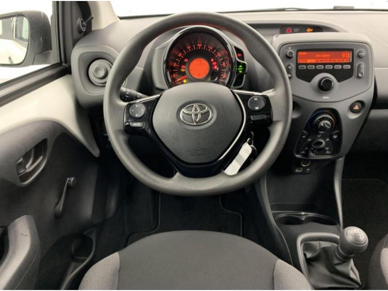 Photo 7 de l'offre de TOYOTA AYGO MY20 1.0 VVT-I X CLIM à 10490€ chez Triplo auto