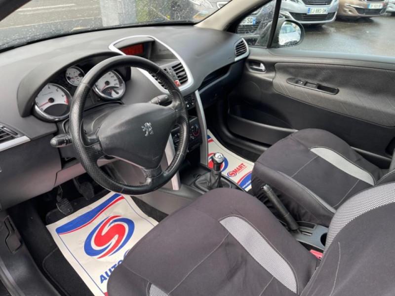 Photo 12 de l'offre de PEUGEOT 207  1.6I 110  SPORT PACK CLIM TOIT PANO à 4990€ chez Triplo auto