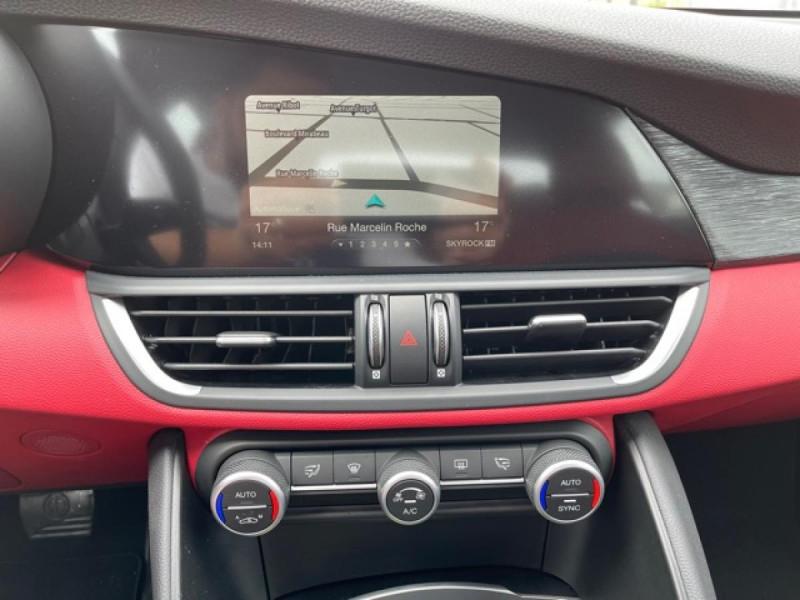 Photo 19 de l'offre de ALFA ROMEO GIULIA 2.2 D 136 - BVA SUPER CUIR ROUGE GPS à 21990€ chez Triplo auto