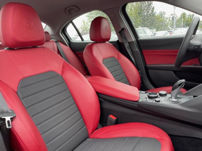 Photo 13 de l'offre de ALFA ROMEO GIULIA 2.2 D 136 - BVA SUPER CUIR ROUGE GPS à 21990€ chez Triplo auto