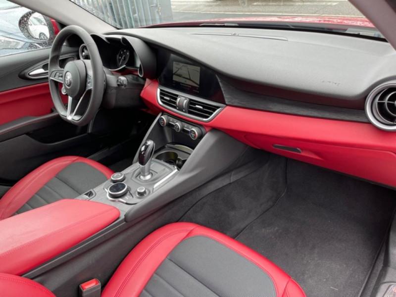 Photo 12 de l'offre de ALFA ROMEO GIULIA 2.2 D 136 - BVA SUPER CUIR ROUGE GPS à 21990€ chez Triplo auto