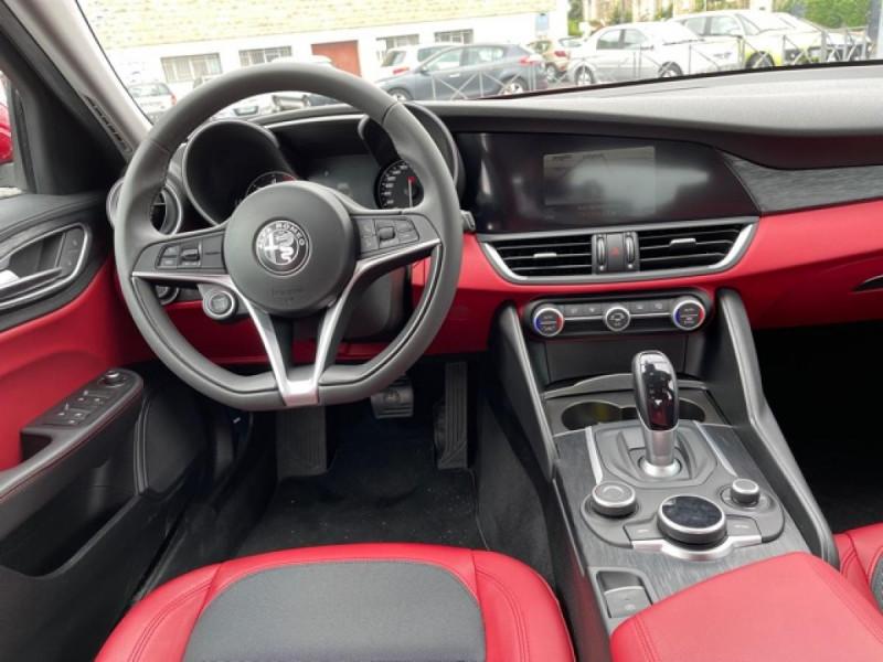 Photo 14 de l'offre de ALFA ROMEO GIULIA 2.2 D 136 - BVA SUPER CUIR ROUGE GPS à 21990€ chez Triplo auto