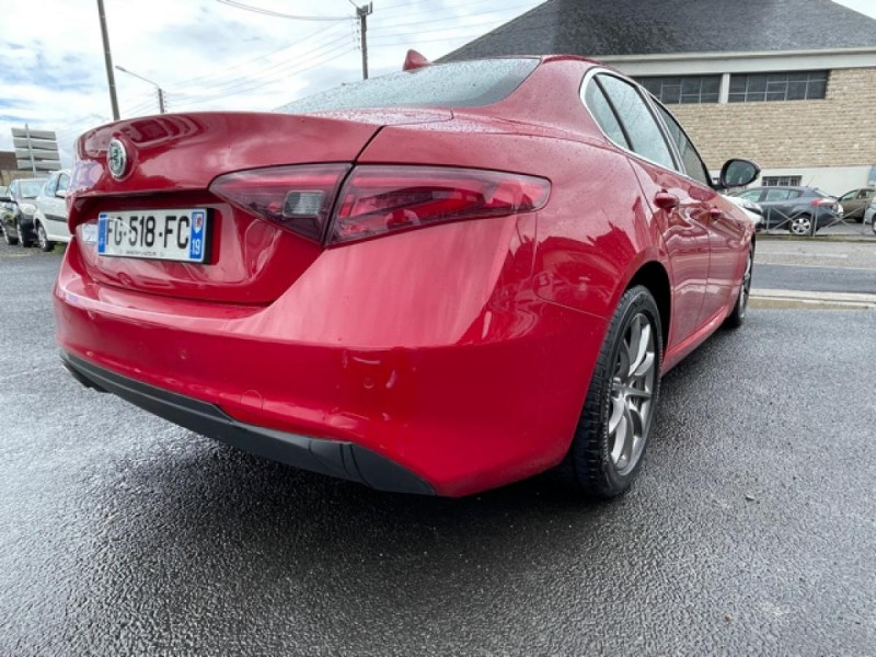 Photo 18 de l'offre de ALFA ROMEO GIULIA 2.2 D 136 - BVA SUPER CUIR ROUGE GPS à 21990€ chez Triplo auto