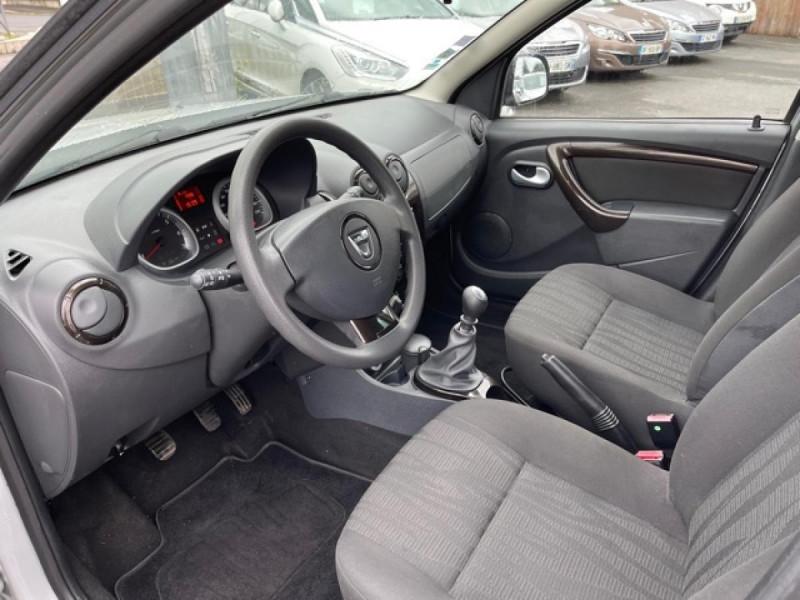 Photo 12 de l'offre de DACIA DUSTER 4X4 1.5 DCI 110 LAURéATE CLIM ATTELAGE à 10990€ chez Triplo auto