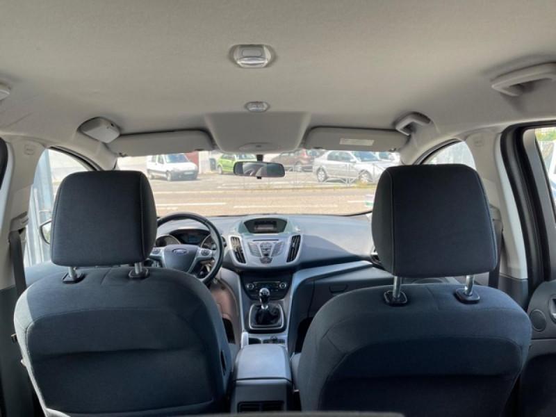 Photo 10 de l'offre de FORD C MAX 1.6 TDCI 95 TITANIUM CLIM RADAR AR ATTELAGE à 8490€ chez Triplo auto