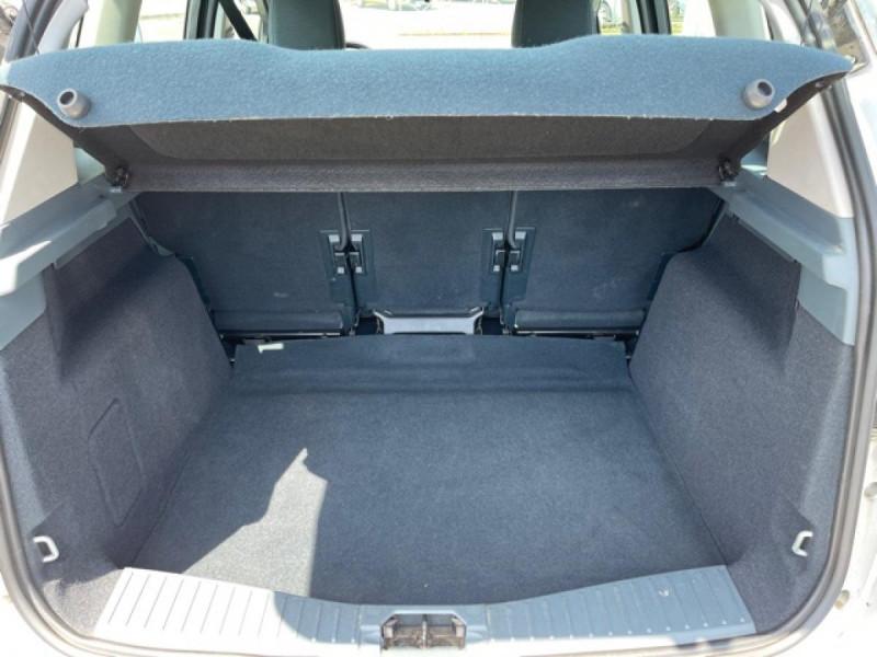 Photo 9 de l'offre de FORD C MAX 1.6 TDCI 95 TITANIUM CLIM RADAR AR ATTELAGE à 8490€ chez Triplo auto