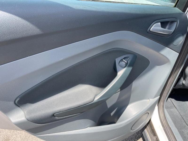 Photo 20 de l'offre de FORD C MAX 1.6 TDCI 95 TITANIUM CLIM RADAR AR ATTELAGE à 8490€ chez Triplo auto