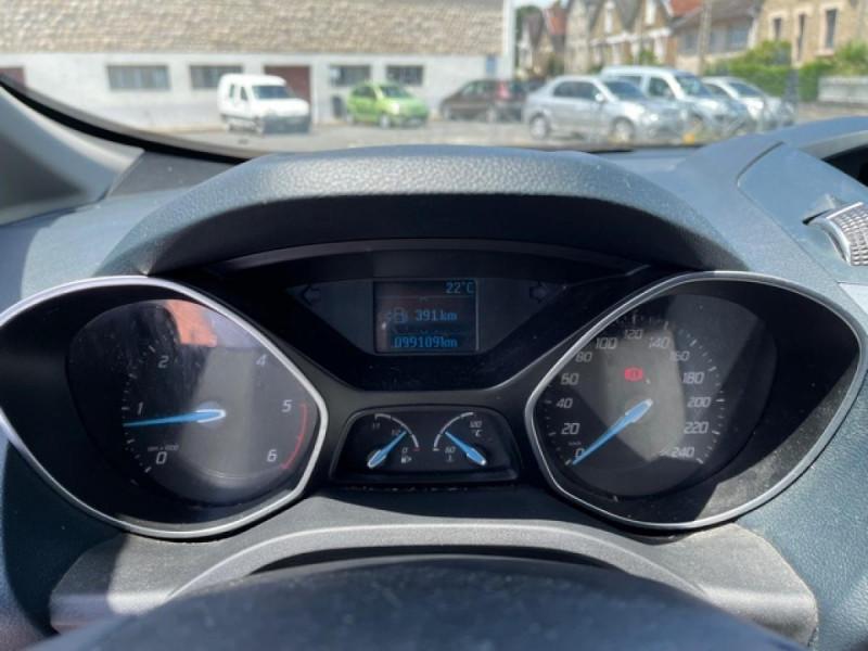 Photo 24 de l'offre de FORD C MAX 1.6 TDCI 95 TITANIUM CLIM RADAR AR ATTELAGE à 8490€ chez Triplo auto