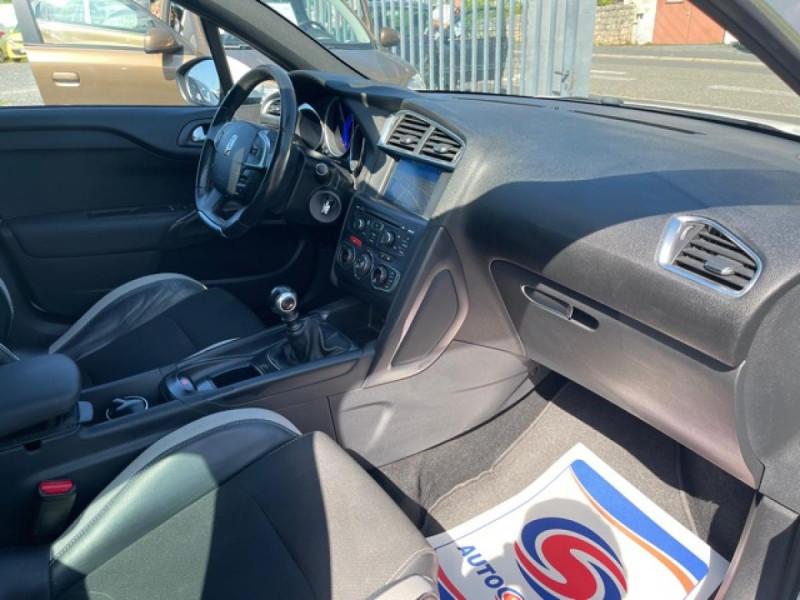 Photo 14 de l'offre de DS DS4 1.6 E-HDI 115  SO CHIC  à 9490€ chez Triplo auto